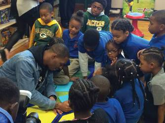 As promised, Clinton-Dix played several games of tic-tac-toe with the students.