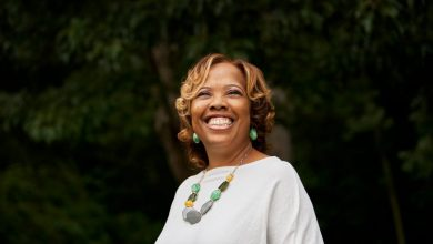 Photo of With Help from Apple, Bham City Teacher Prepares for Unprecedented Year