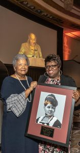 CHICAGO CRUSADER PUBLISHER and NNPA Chairman Dorothy R. Leavell (left) is pictured with the award artist Minnie Watkins.